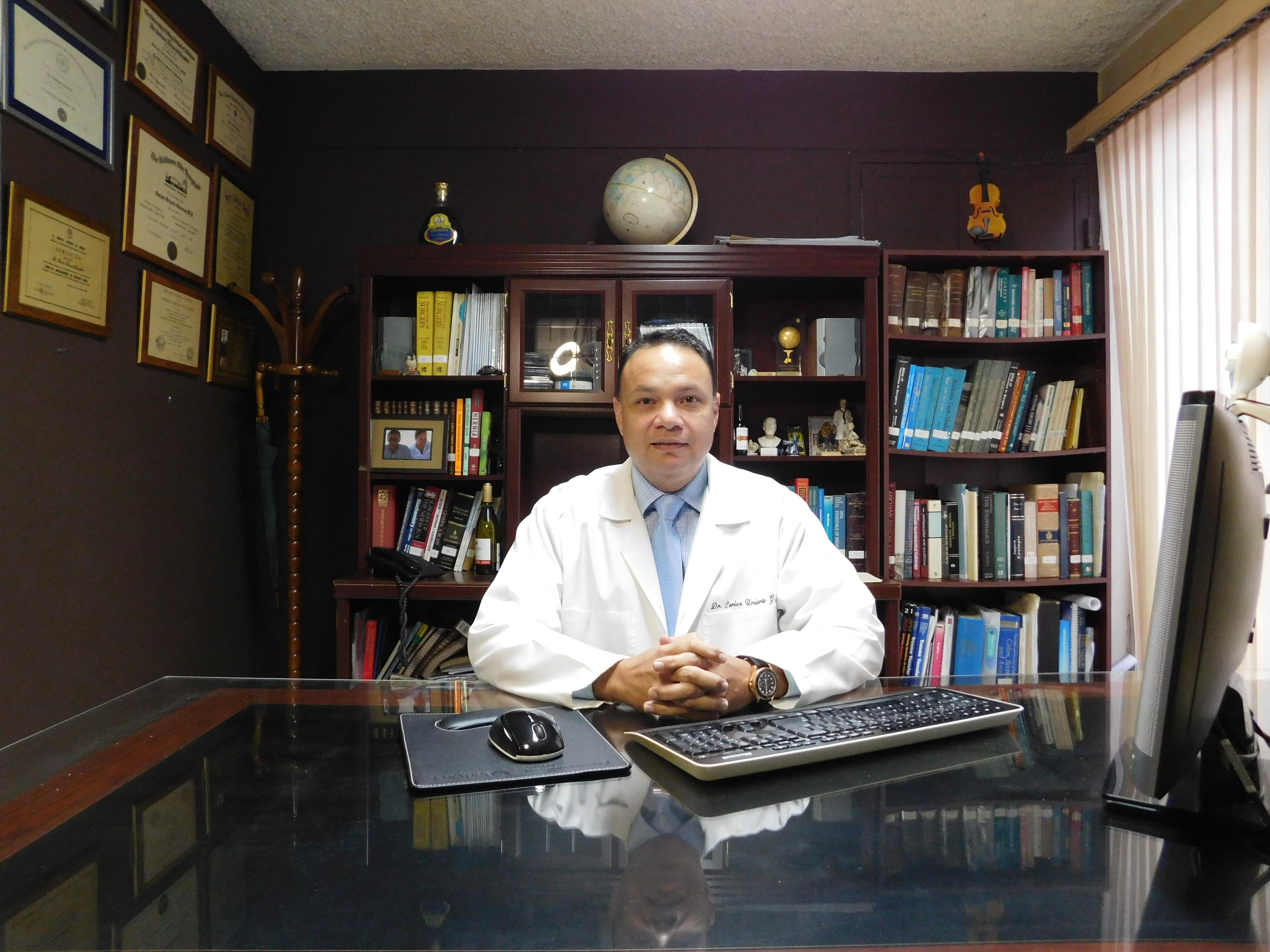 Dr. Carlos Uriarte