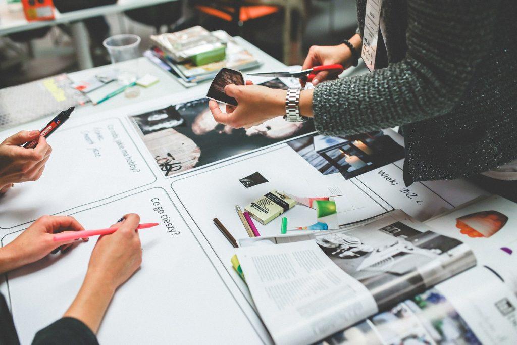 ¿Sabías que el plan de Marketing Digital puede ayudarle a tu negocio a tener visibilidad en los motores de búsqueda, incrementar el número de visitas a tu página web, y mejorar tus resultados comerciales?