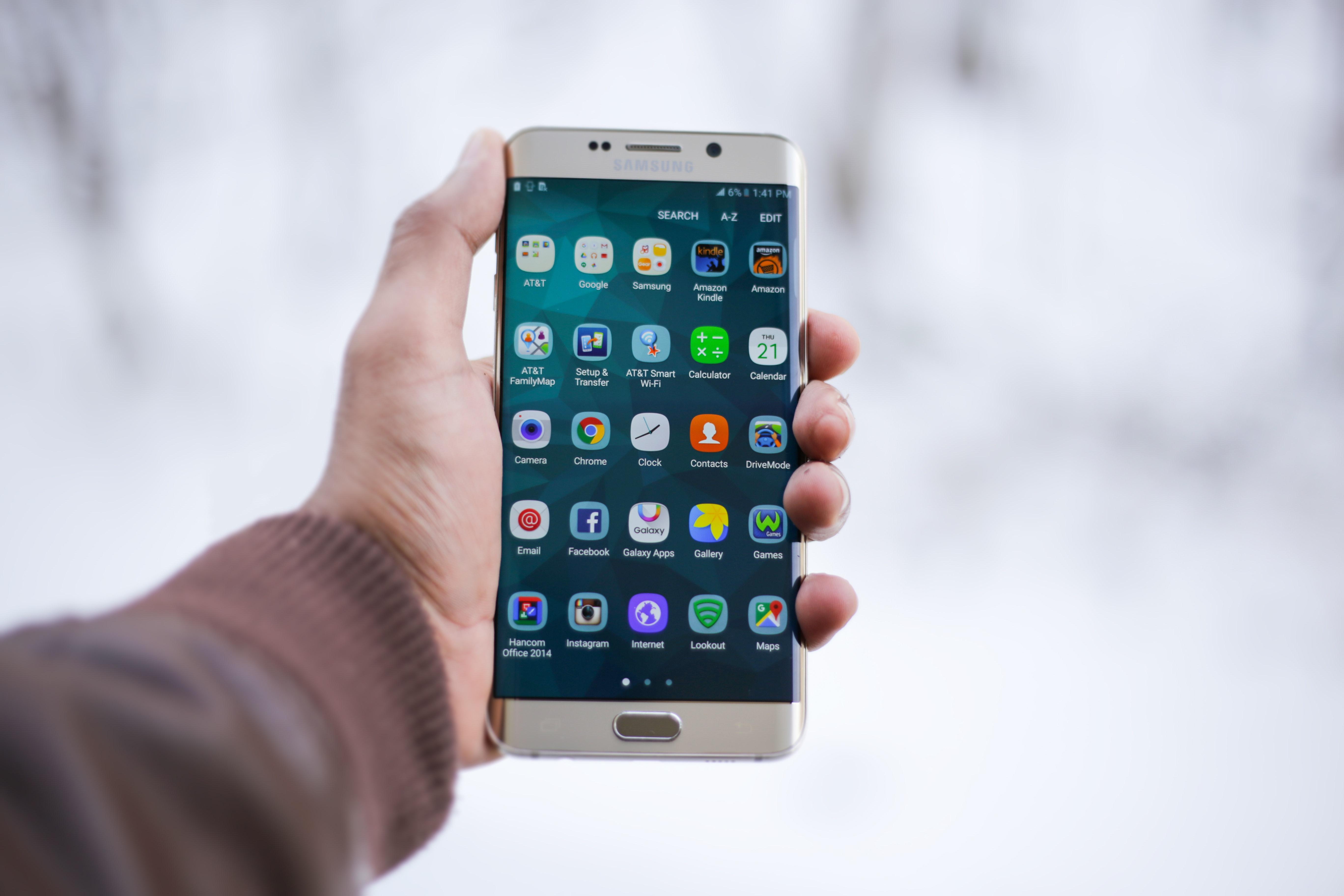 Teléfonos Móviles Dispositivo favorito para acceder Internet